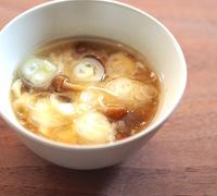 くずし豆腐となめこの中華風スープ