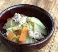 白菜と豚肉のコンソメバター煮