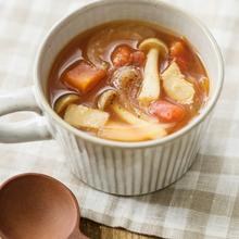玉ねぎときのこのトマトスープ