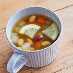 豆とレモンのスープ