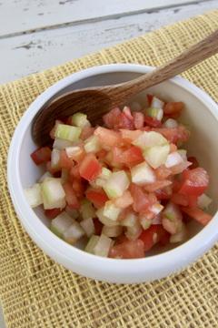 トマトとセロリのわさび醤油サラダ