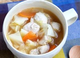 キャベツと鶏むね肉のスープ