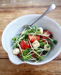 クリチとトマトのぱぱっとサラダ