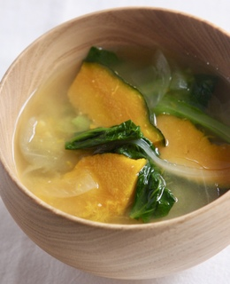 かぼちゃと小松菜のお味噌汁