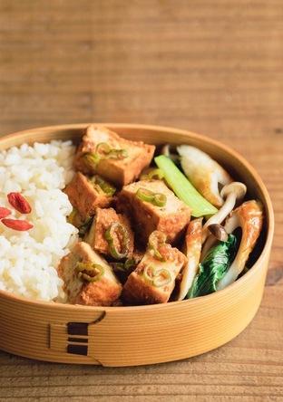 麻婆厚揚げ・チンゲン菜さっぱり炒め・きび入りご飯のお弁当