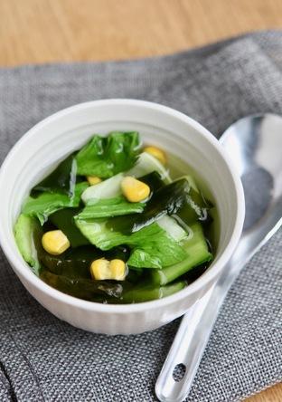 チンゲンサイとコーンのわかめスープ
