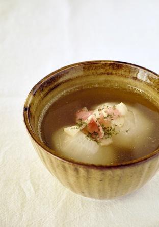 カブのコンソメとろみスープ