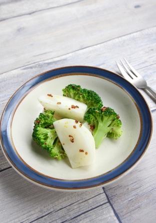 かぶとブロッコリーのホットサラダ
