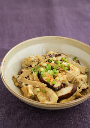豆腐とごぼう、しいたけの卵とじ