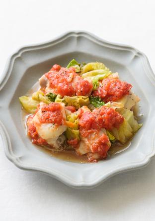 電子レンジで簡単 カットレタスと鶏肉のトマト煮