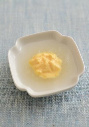 【離乳食・初期】卵黄・大根ペースト