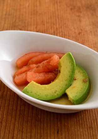 【離乳食・完了期】トマトとアボカドのお浸し