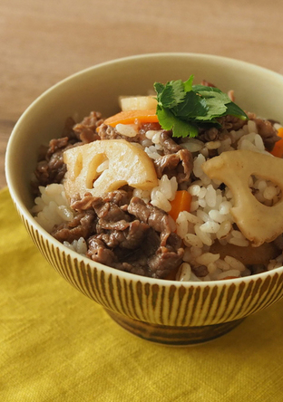 牛肉とれんこんの混ぜご飯