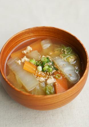 簡単 体温まる 生姜と白菜の特製スープ
