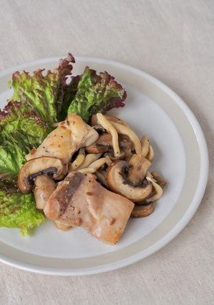 クミン香る 鶏肉ときのこのガーリックソテー