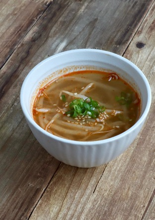 もやし味噌スープ