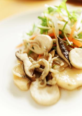 焼き長芋とエリンギのジャコサラダ