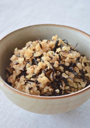 ひじきの 玄米炊き込みご飯