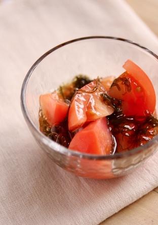 トマトのもずく酢和え