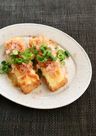トースターで 厚揚げのとろりチーズ醤油焼