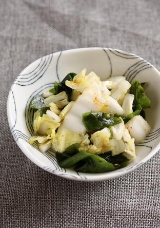 白菜とわかめのサラダ