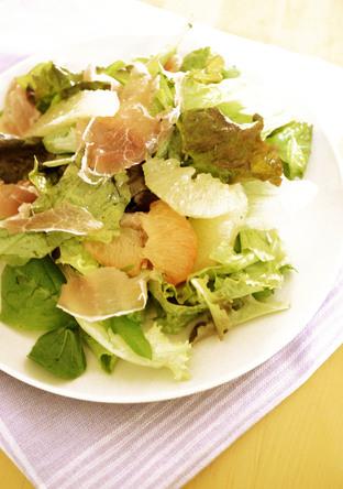 グレープフルーツドレッシングのサラダ