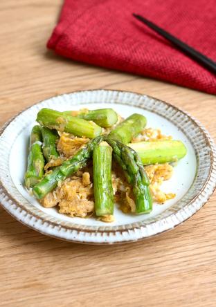 シンプル アスパラと卵の炒め物