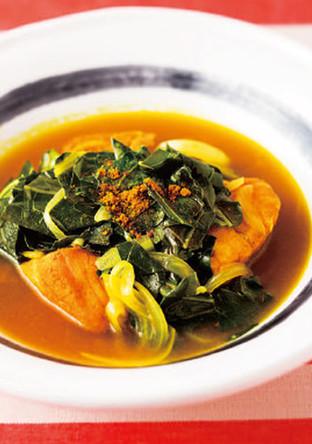 ケールとサケのカレースープ