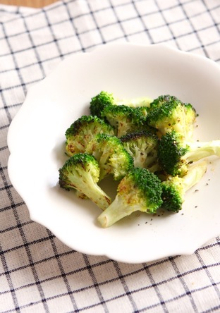 シンプル 薄切りブロッコリーのステーキ