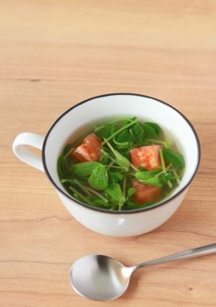 豆苗とトマトのスープ