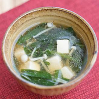 にらと豆腐のしょうがスープ