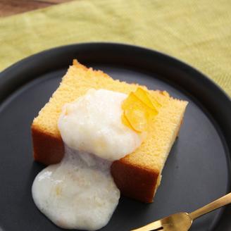 カステラ ヨーグルトマーマレードソース