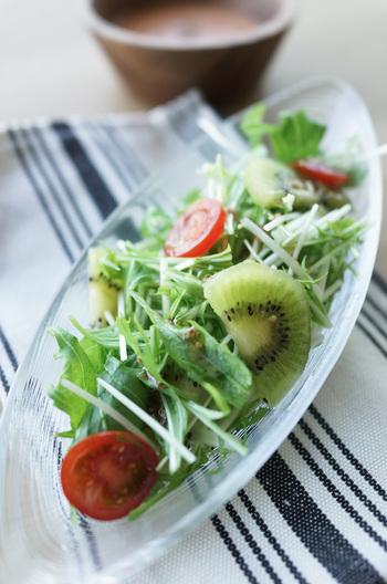 水菜とキウイのフルーツサラダ