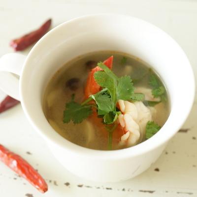 トムヤムクン風スープ