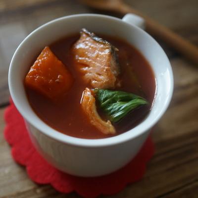 鮭のホットチリスープ