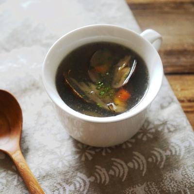 あさりときのこのプロヴァンス風スープ