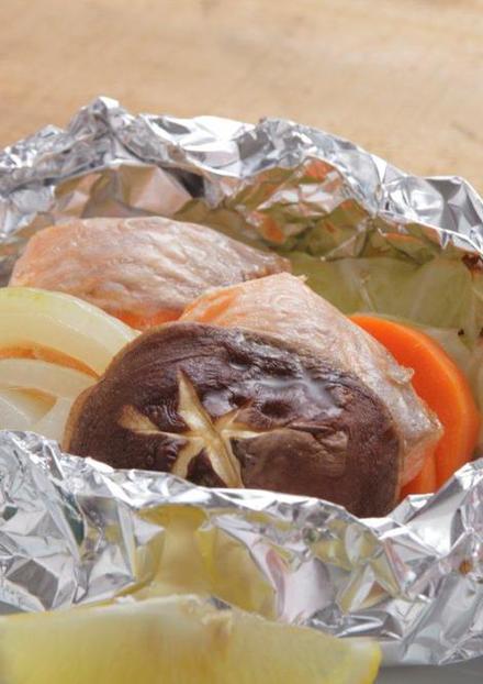 フライパンで簡単!鮭の減塩ホイル焼き