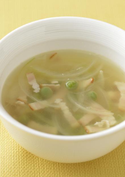 グリーンピースと新玉ねぎのスープ
