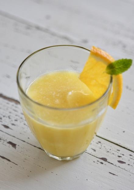 フレッシュオレンジとバナナジュース