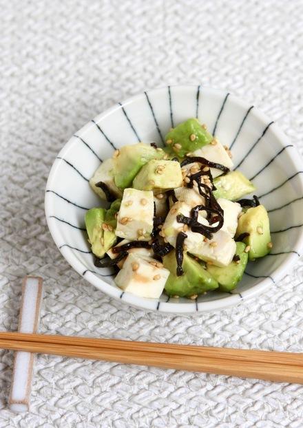 塩昆布で簡単 豆腐とアボカドサラダ