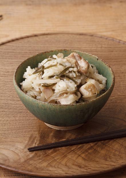 鶏とごぼうと昆布の炊き込みご飯