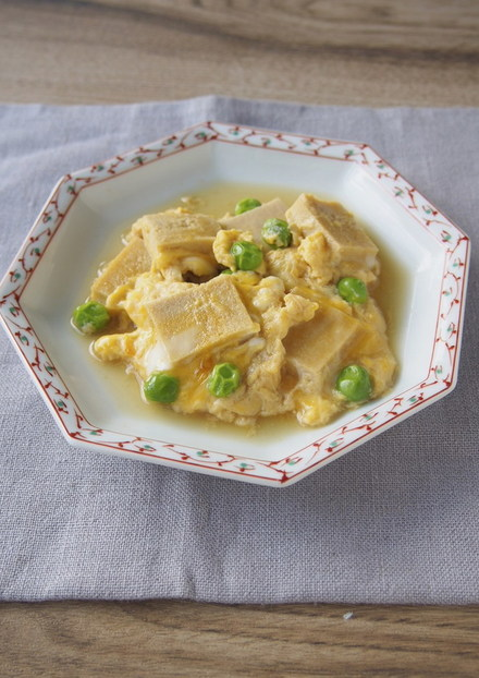 高野豆腐とえんどう豆の卵とじ