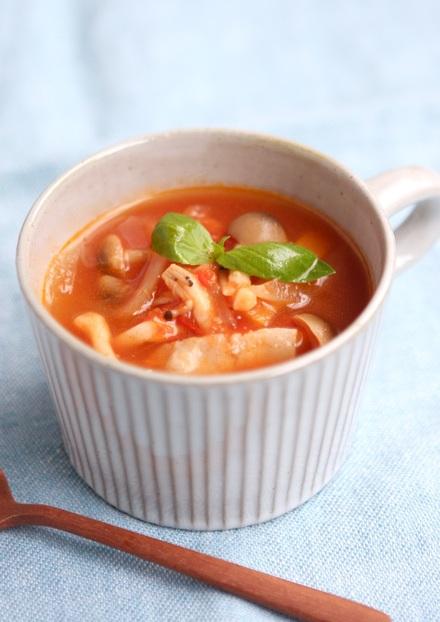 玉ねぎの甘みしっかりトマトスープ