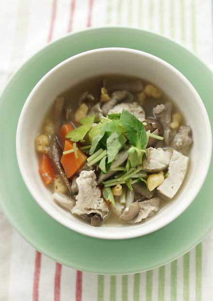 焼き豆腐とごぼうの味噌汁