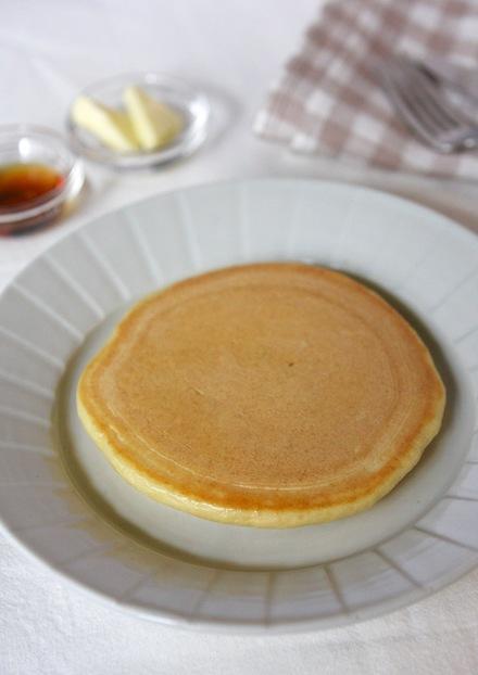 休日の朝食に もっちり牛乳ホットケーキ