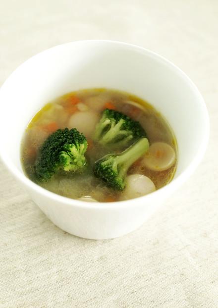 簡単満足 押麦入りコンソメスープ