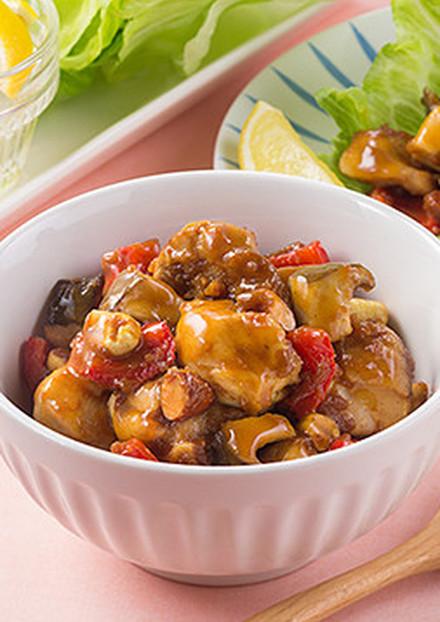 鶏肉と角切り野菜のヘルシーオ炒め、レタス包み