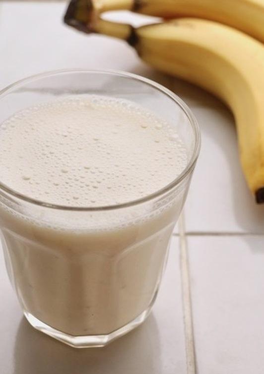 バナナヨーグルトシェイク