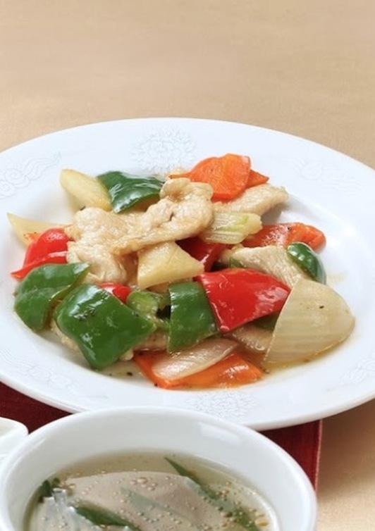 鶏と彩り野菜の黒酢炒め