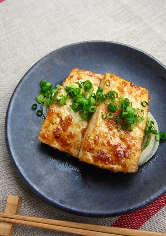 豆腐ステーキ にんにく醤油ソース